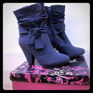 New in box Qupid blue Suede PU size 7